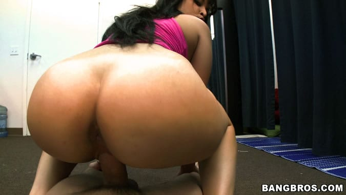 Phat ass latina reverse cowgirl on bbc