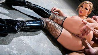 Nikki Benz Anal Sex