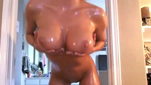 XO Gisele Oiled Up