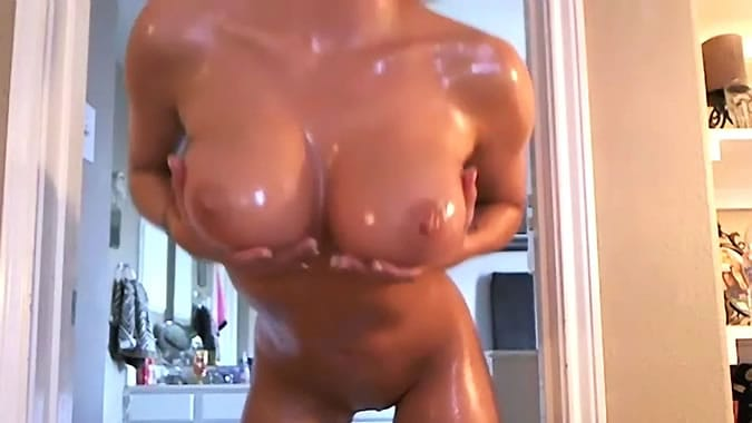Amaizing oiled webcam girl fuck herself with big dildo part 2 5