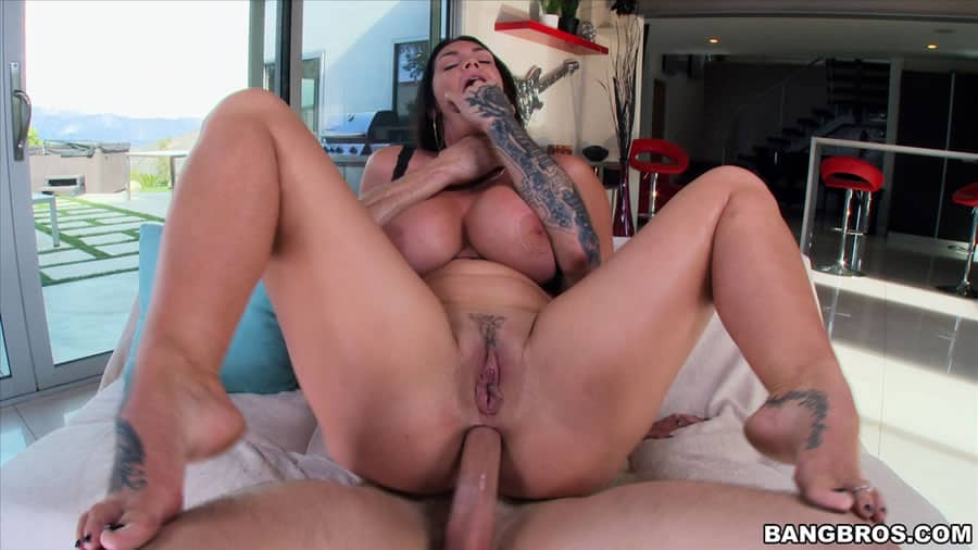 huge booty anal sex