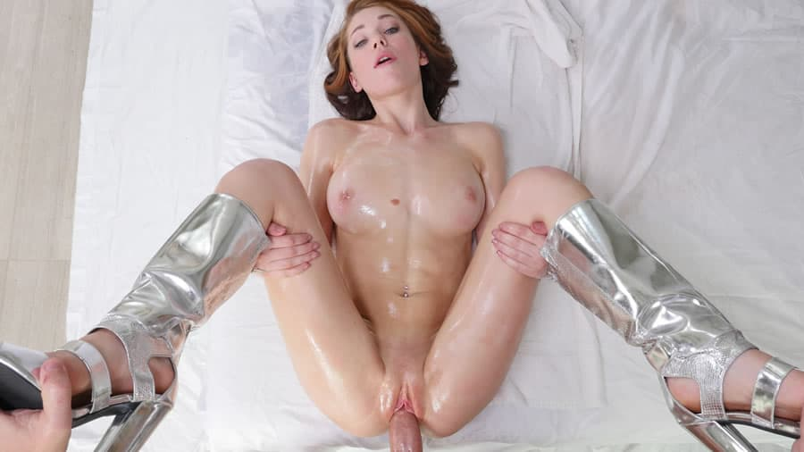 Open young pink college pussy