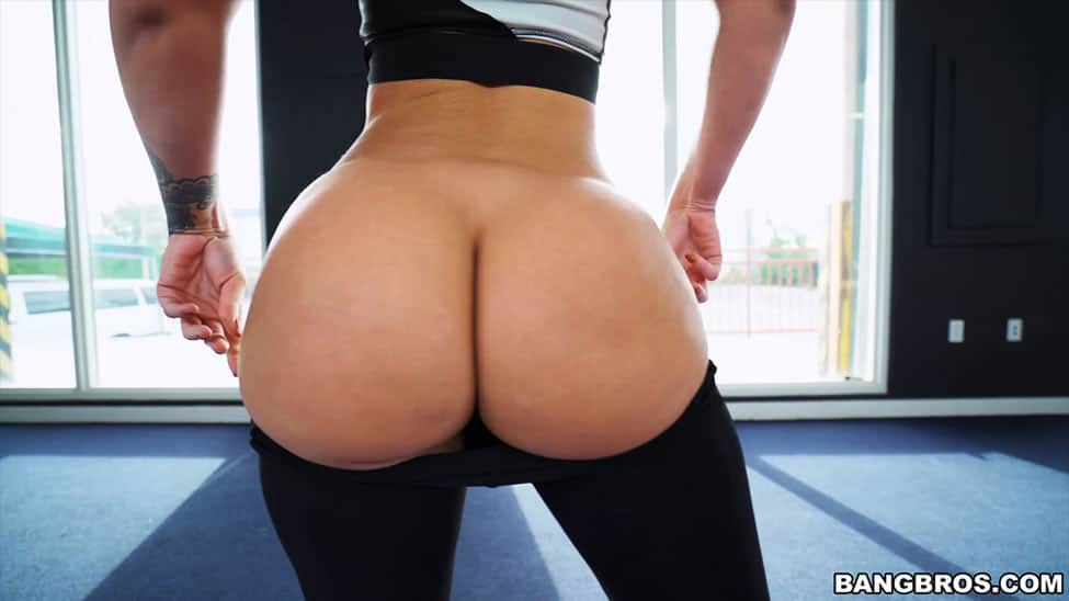 Big Asses In Tight Pants Assparade 1